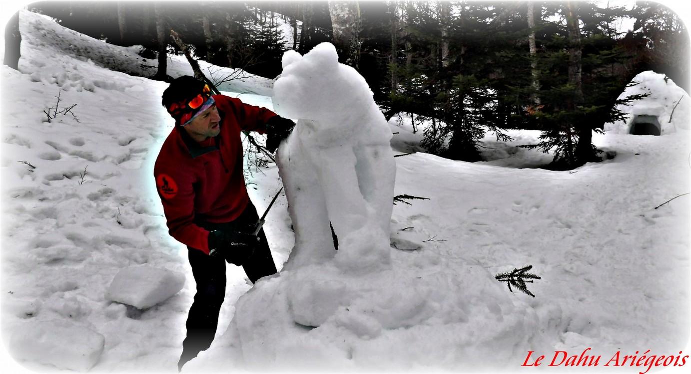 sculpture sur glace Ariège Pyrénées - Ours 1