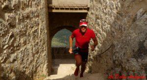 Entré du château de Peyrepertus en trail