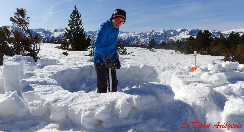 Construction igloo - Plateau de Beille